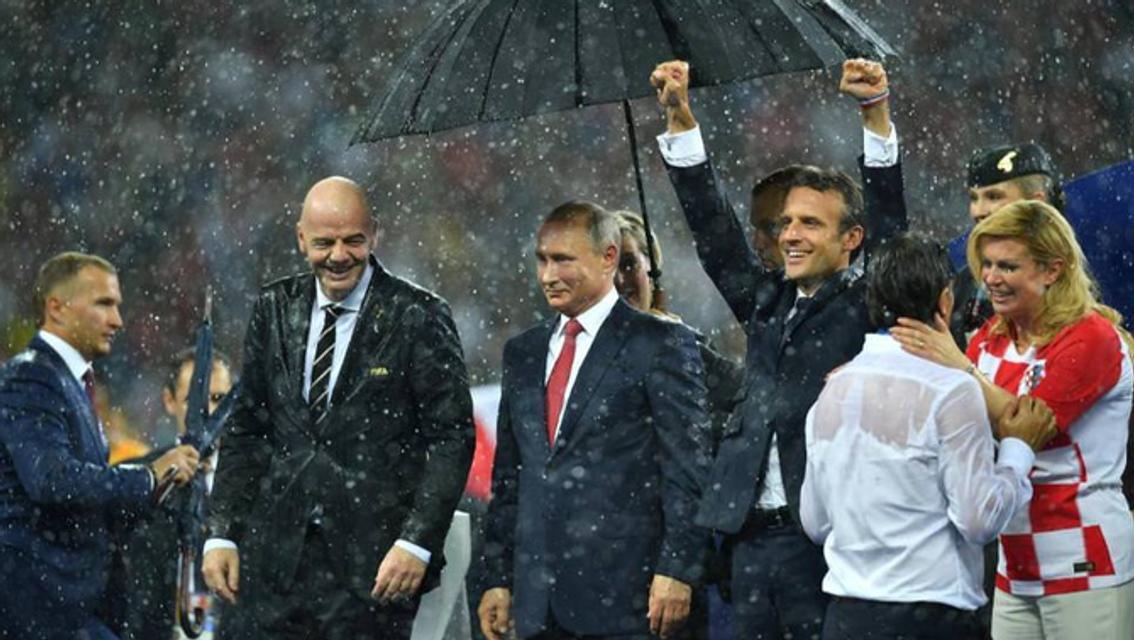 ЧМ-2018: Путин унизил президентов Хорватии и Франции (ФОТО) - фото 135909