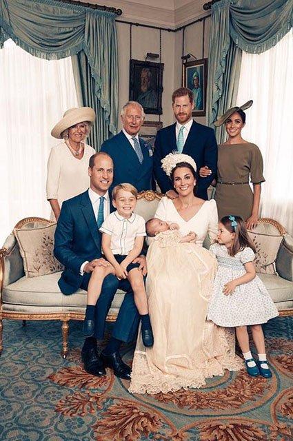 В сети появились официальные снимки с крестин принца Луи - фото 135967