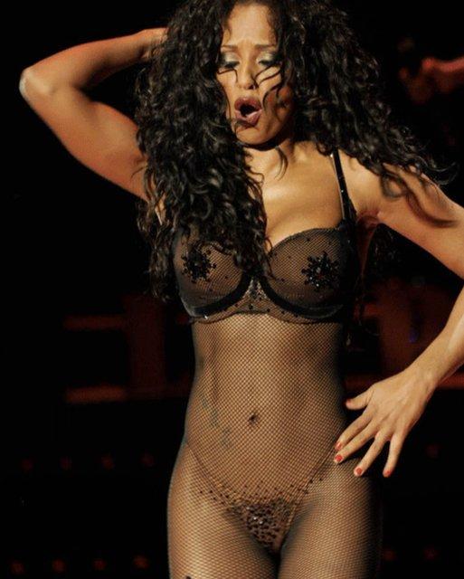 Участница Spice Girls Мел Би взбудоражила интимным фото - фото 136295