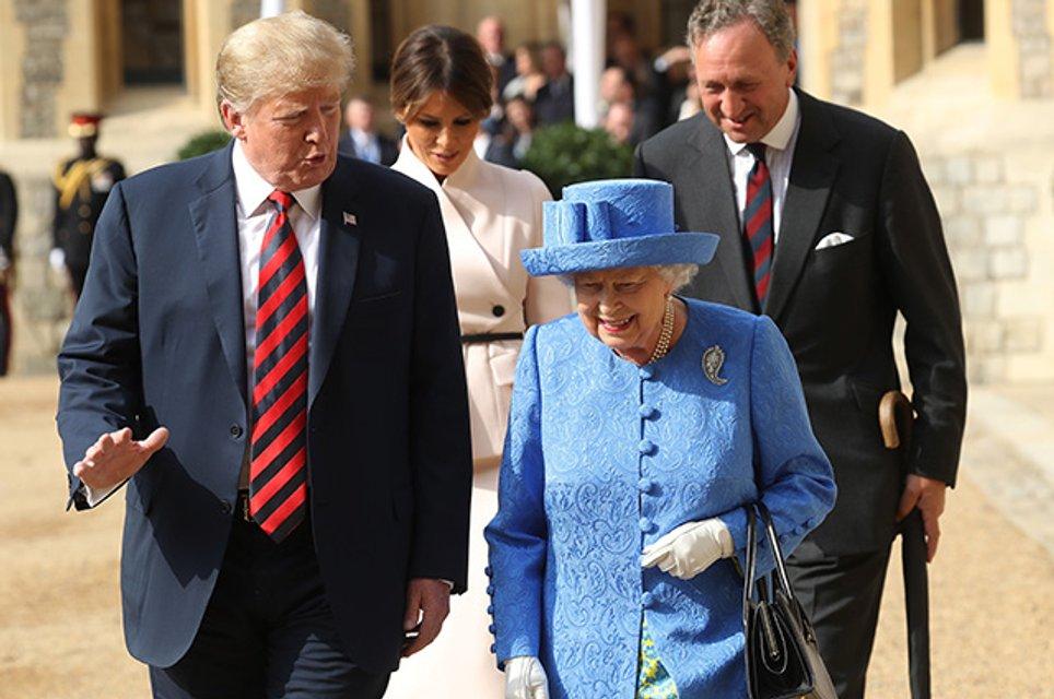 Елизавета II затроллила Дональда Трампа - фото 136342