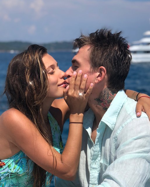Регина Тодоренко выходит замуж за россиянина Влада Топалова - фото 137641