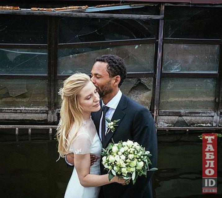 Светлана Залищук вышла замуж за британца: фото депутатской свадьбы - фото 137664