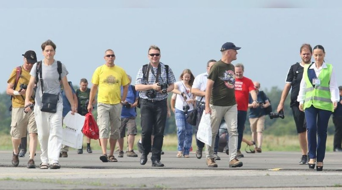 В аэропорту 'Полтава' приземлился первый пассажирский рейс после реконструкции - фото 138298