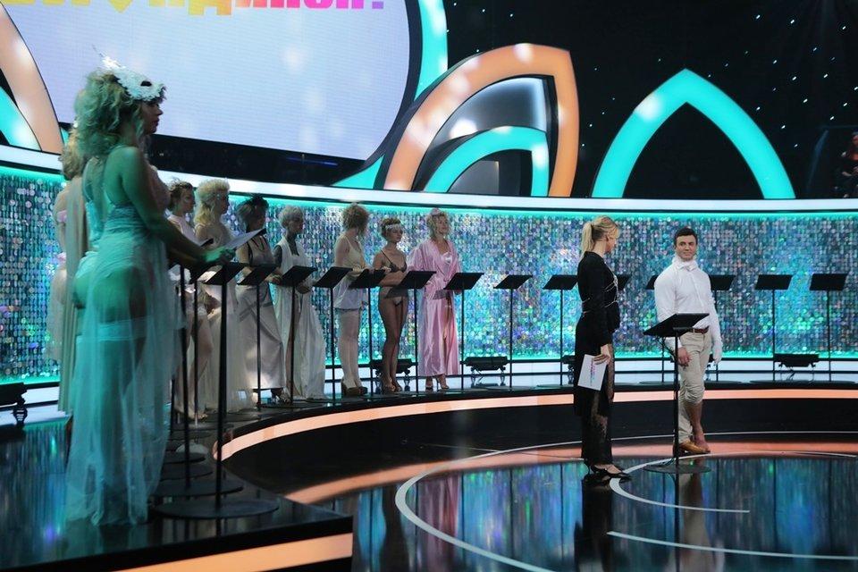 Кто против блондинок: Тищенко сделали массаж пальца, а Притула раскрыл значение фамилии - фото 138438