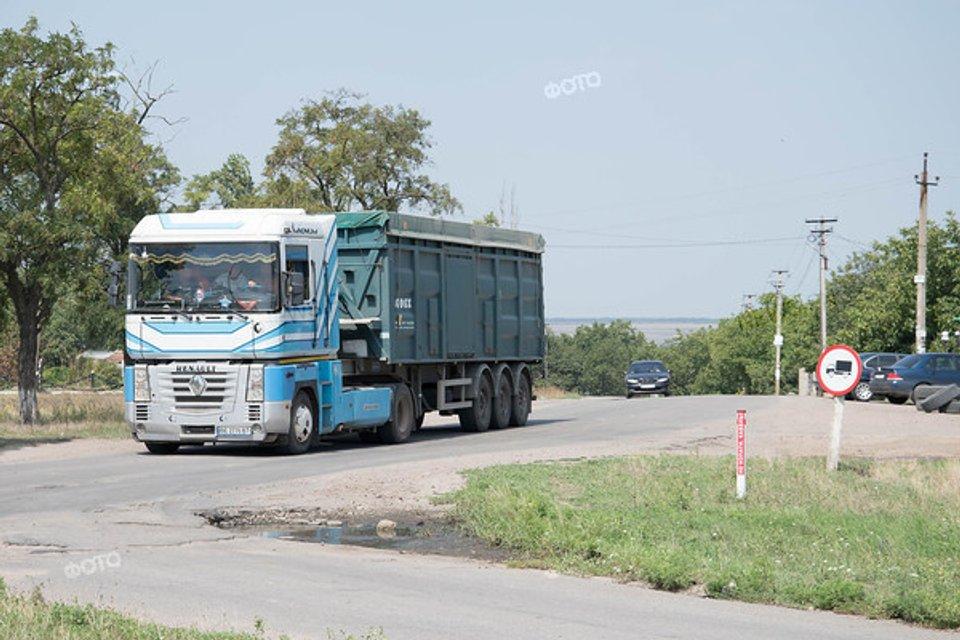 Шляхи, які ми обираємо: Хто знищує українські дороги - фото 139392
