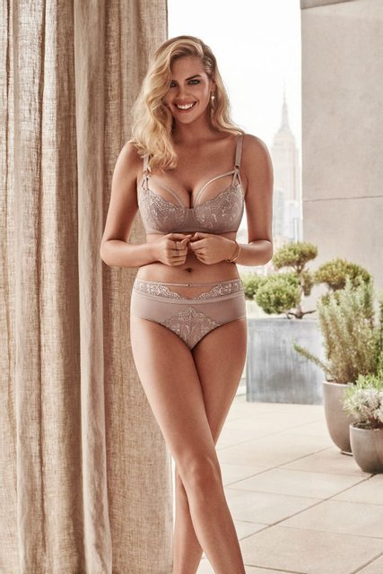 Беременная Кейт Аптон удивила фотосессией в нижнем белье - фото 139708