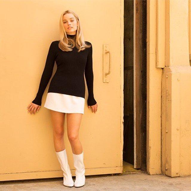 Однажды в Голливуде: первое фото Марго Робби со съемочной площадки - фото 139915