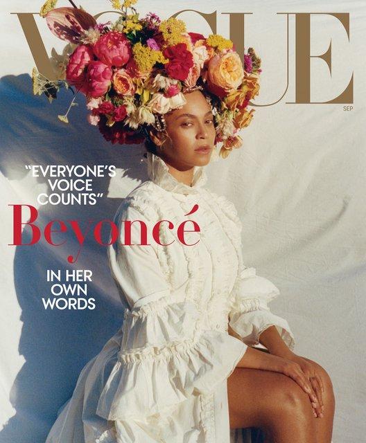 Бейонсе с венком на голове снялась в необычной фотосессии - фото 139964
