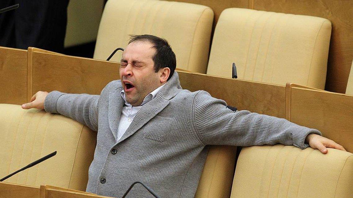 Жертва пропаганды: на Лайму Вайкуле накинулись в Госдуме РФ - фото 141211