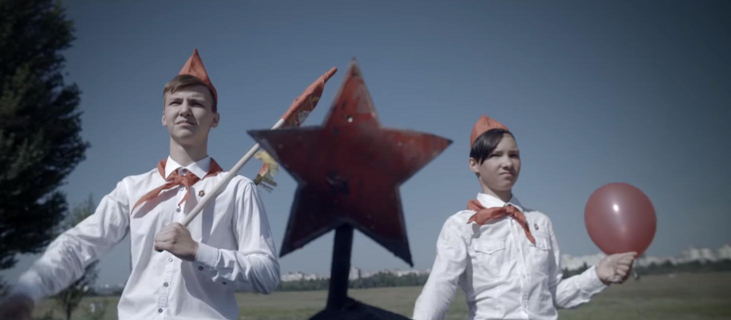 Кобзон: Жадан і Собаки предстали шикарный клип на свою песню, 18+ - фото 141256