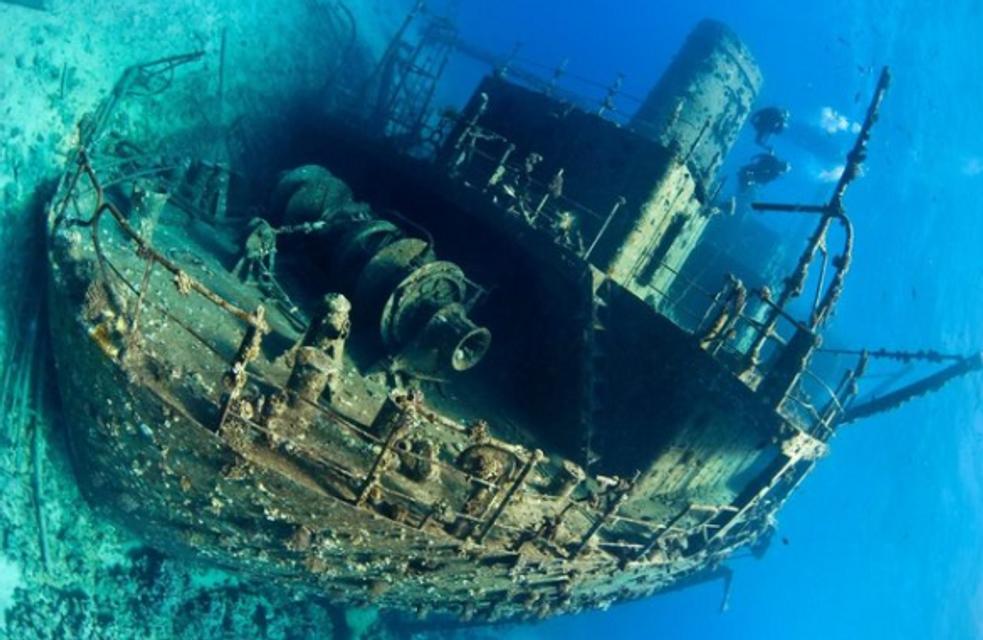 На дне океана дайверы обнаружили самолеты, корабли и танки (ФОТО) - фото 141951
