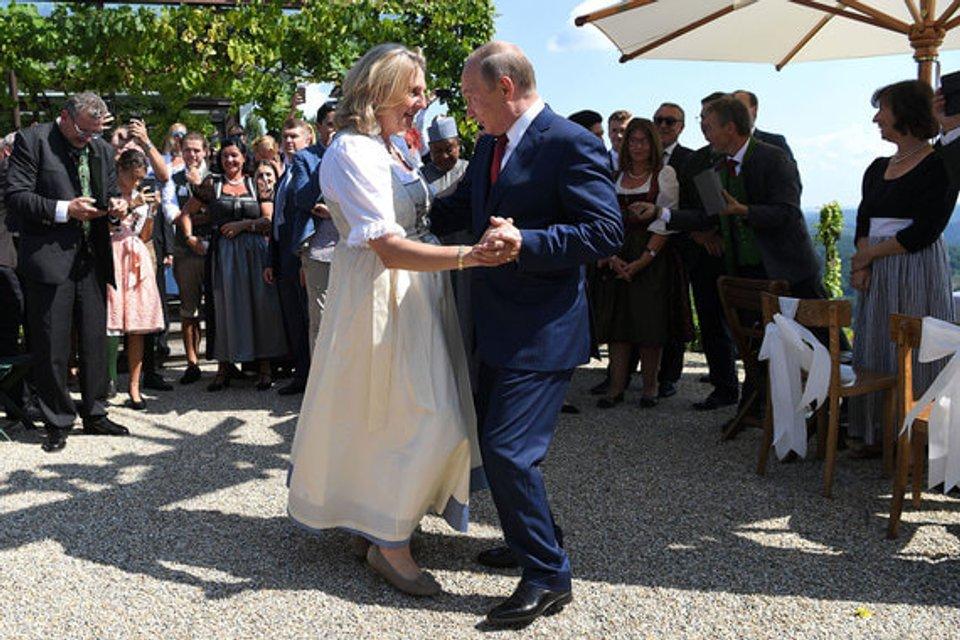 Свадьба в Австрии: Путин станцевал с невестой (фото, видео) - фото 142025