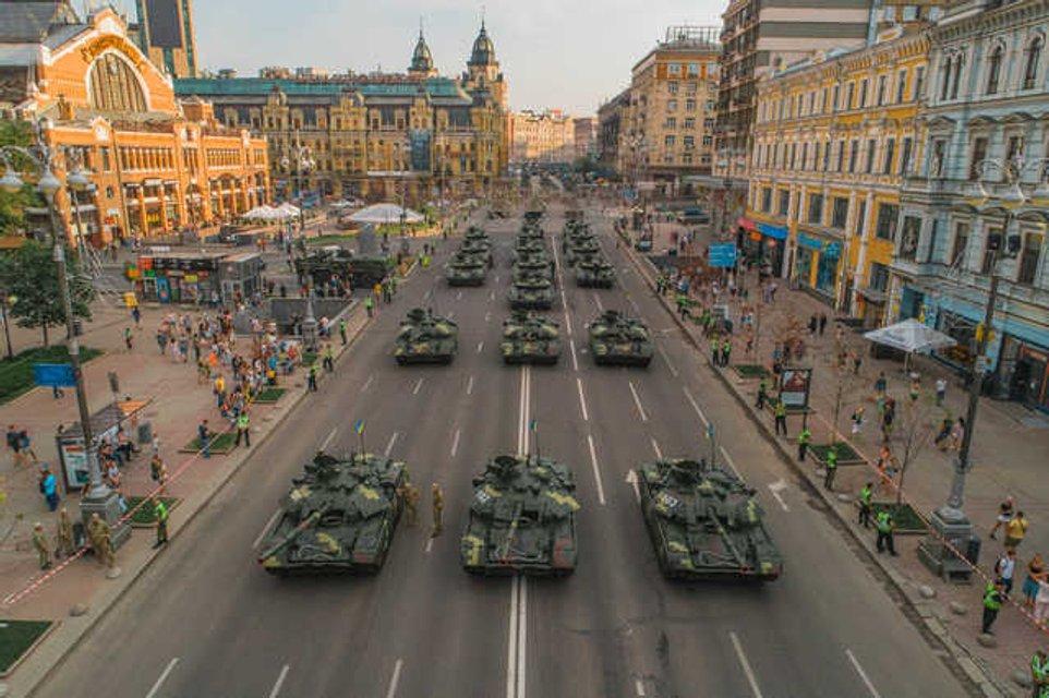 Авиация и бронетехника: в Киеве прошла репетиция парада ко Дню Независимости (ФОТО+ВИДЕО) - фото 142321