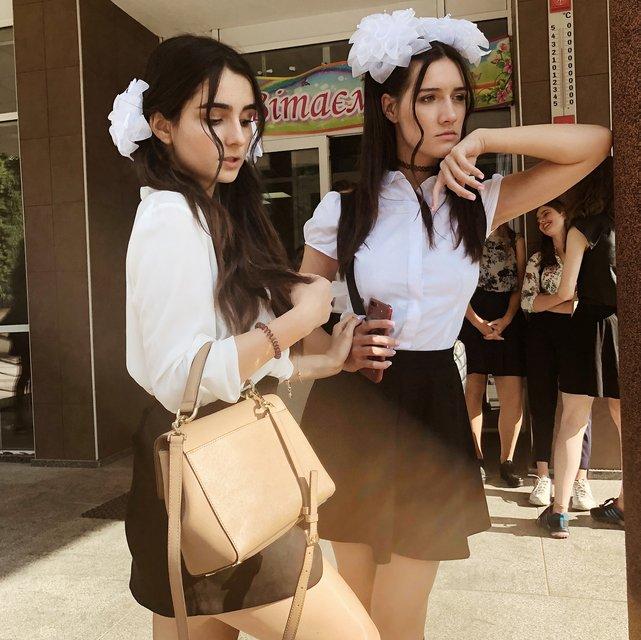 Школа 2 сезон: Анна Тринчер впечатлила снимками из родной школы - фото 142480