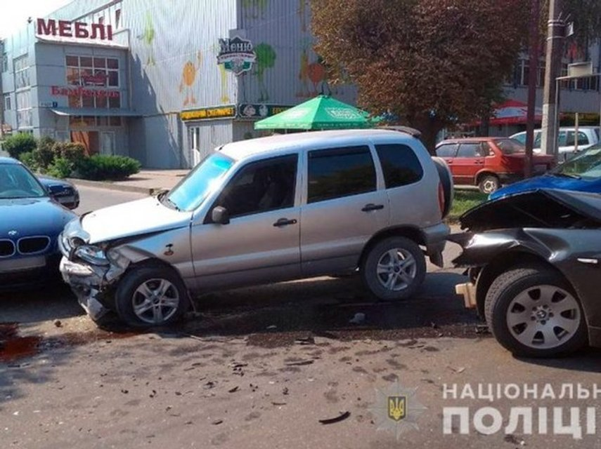 В Черновцах в жутком тройном ДТП пострадали дети (ФОТО) - фото 142532