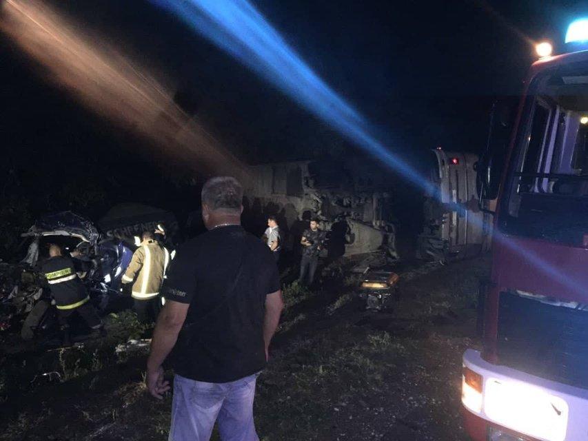 Под Одессой в ДТП попал автобус из Кишенева, есть погибшие и пострадавшие - фото 142661