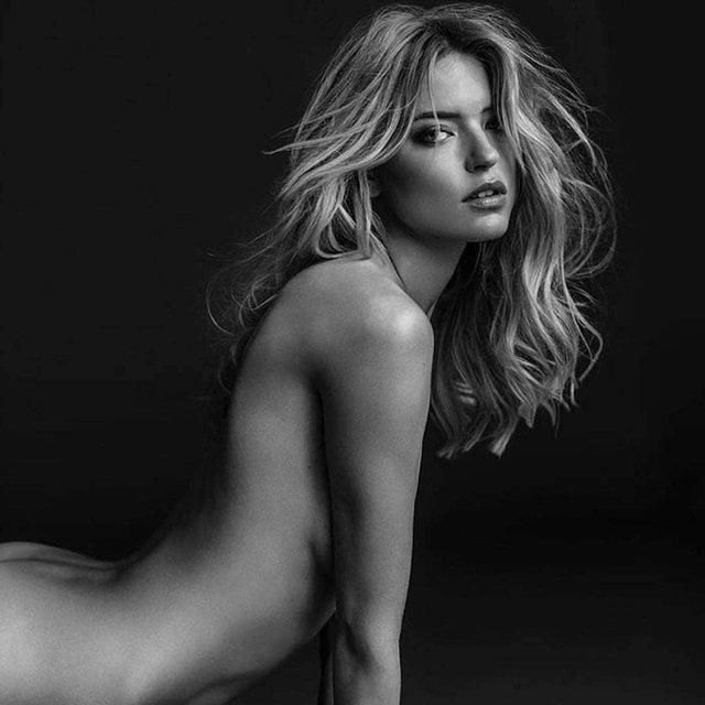 Интимное фото голой модели Victoria's Secret взбудоражило сеть - фото 142702