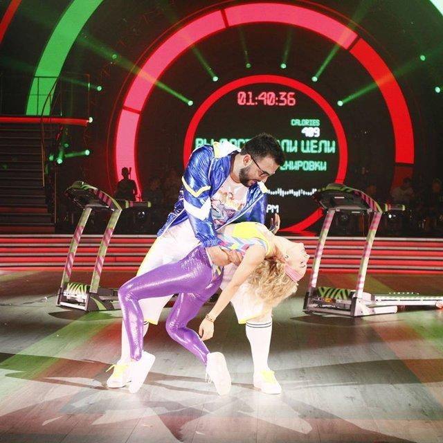 Танці з зірками 2018 1 выпуск: пара-лидер 1 место Руслан Сеничкин и Яна Цыбульская - фото 143170