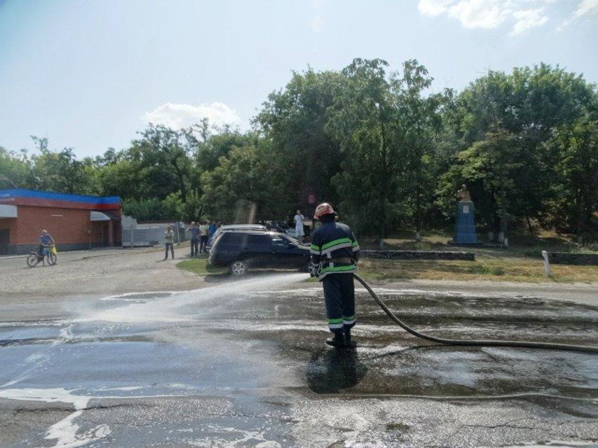 В Черкасской области в ДТП попал грузовик с химической продукцией - фото 143252