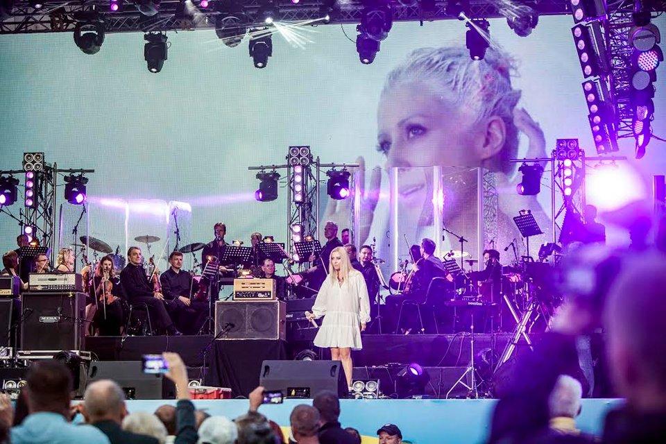 Ренесанс Незалежності: Руслана провела грандиозное шоу - фото 143349