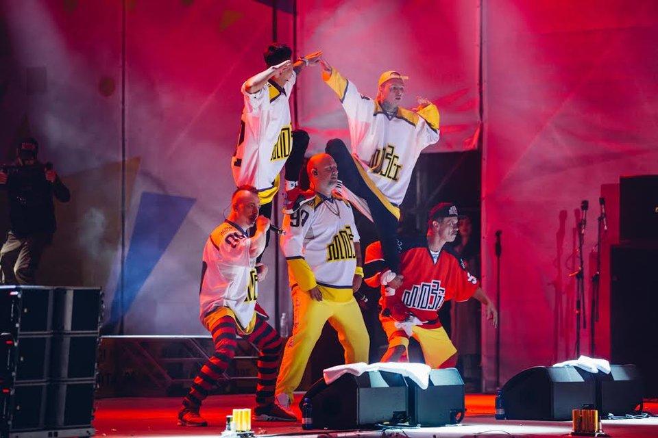 Kvartal FEST: Артем Гагарин провел масштабный концерт для 150 тысяч гостей - фото 143376