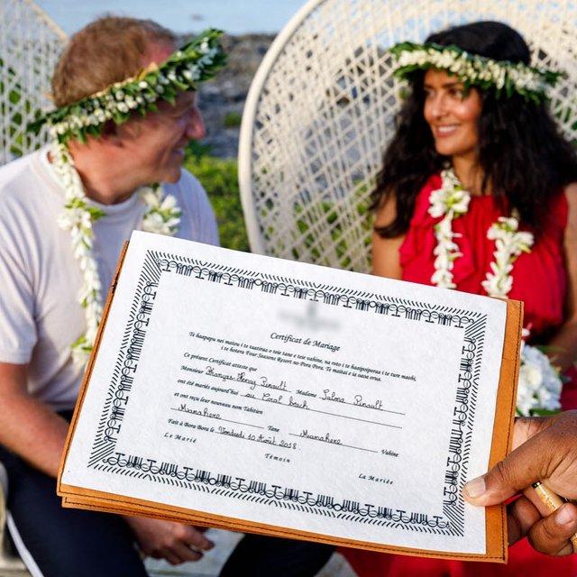 Сальма Хайек снова вышла замуж - фото 143960