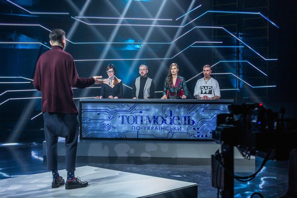 Топ-модель по-украински 5 сезон: на кастинге экспертов пытались подкупить - фото 144063