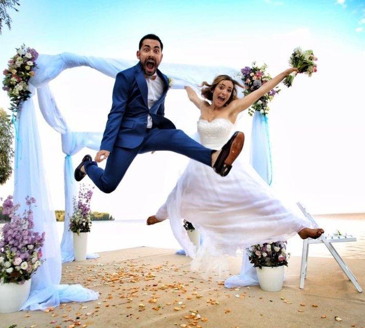 Экс-ведущий 'Орла и решки' поделился редким свадебным фото - фото 144453