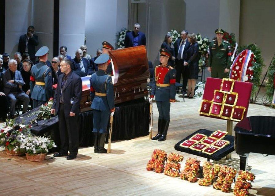 Путин и Медведев приехали на похороны Кобзона (ФОТО) - фото 144882