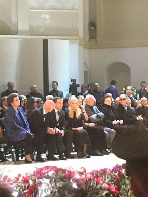 Путин и Медведев приехали на похороны Кобзона (ФОТО) - фото 144885