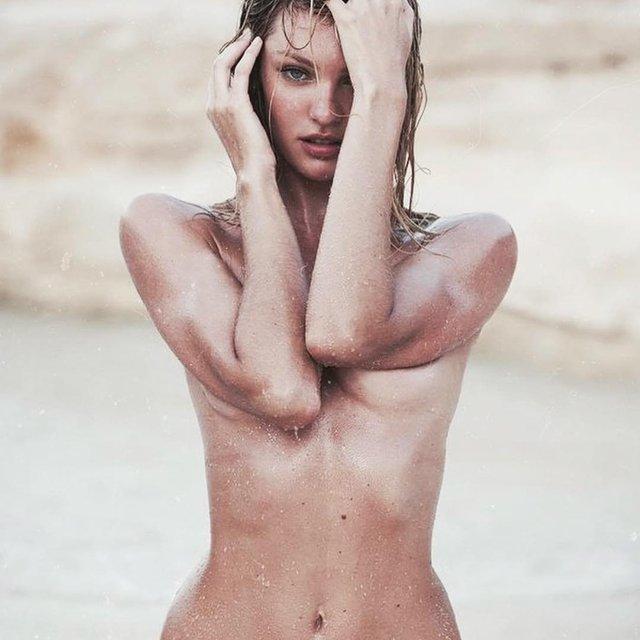 Кэндис Свейнпол топлес позировала на морском побережье - фото 144959