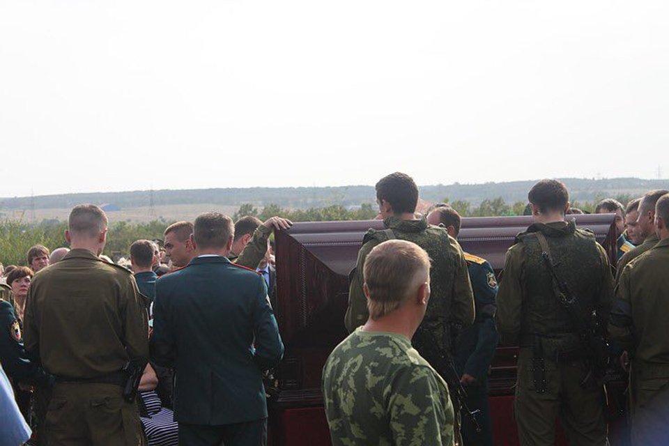 Смерть Захарченко: на похоронах показали тело мертвеца ФОТО - фото 144976