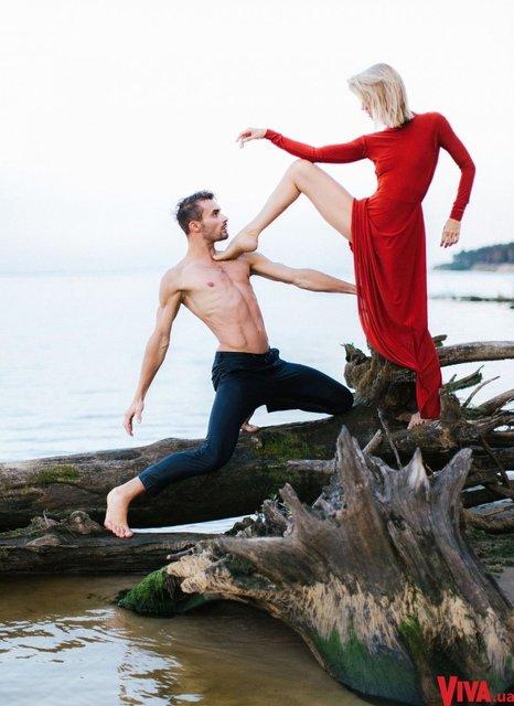 Танці з зірками: Анита Луценко снялась в страстной фотосессии со своим партнером - фото 145373