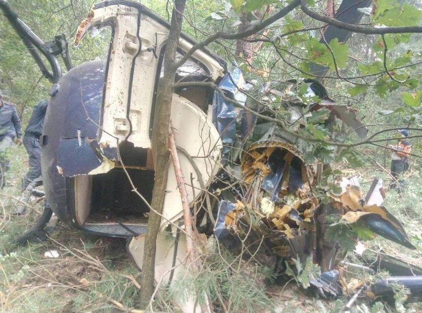 Вот это поворот: на Трухановом острове упал вертолет (ФОТО) - фото 145678