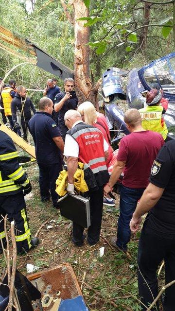 Вот это поворот: на Трухановом острове упал вертолет (ФОТО) - фото 145722