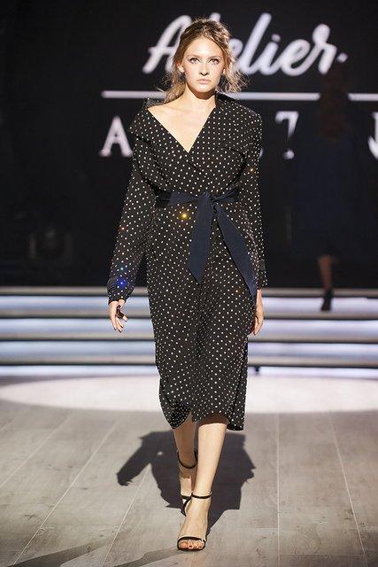 Модели из шоу Нового канала прошлись по подиуму Ukrainian Fashion Week - фото 146127