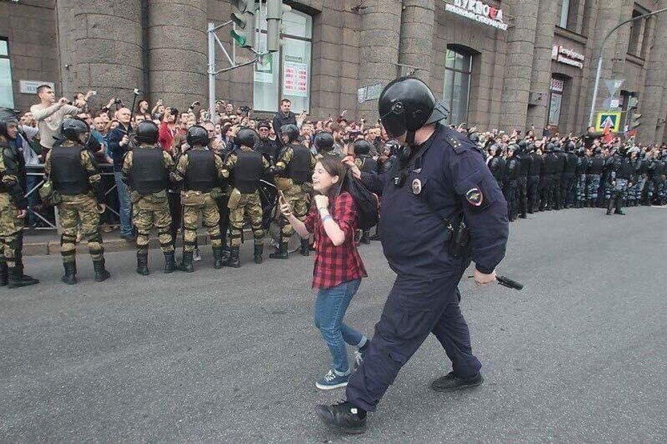 Украинские 'беркутовцы' избили и задержали больше тысячи человек в Москве (ФОТО) - фото 146463