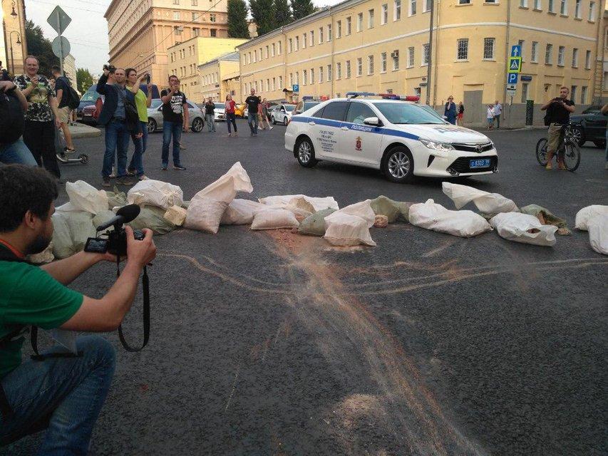 Украинские 'беркутовцы' избили и задержали больше тысячи человек в Москве (ФОТО) - фото 146465
