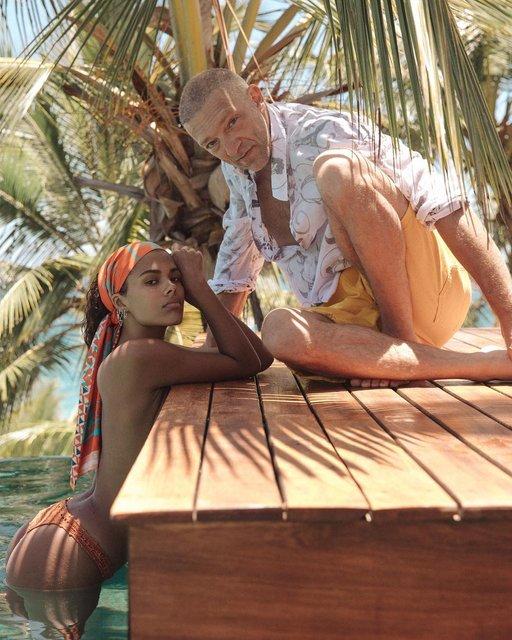 Топлес в воде: Тина Кунаки поделилась фото с медового месяца - фото 146853