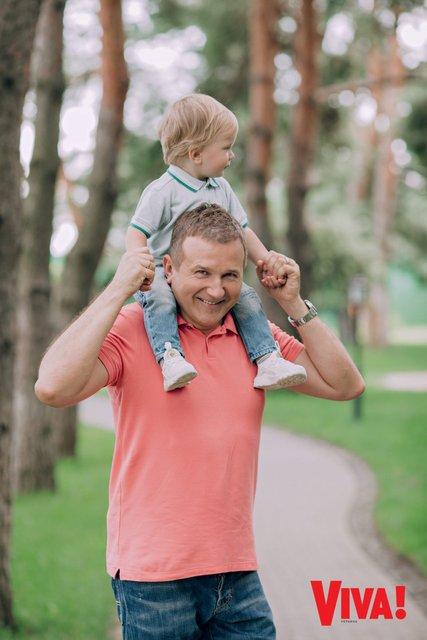 Юрий Горбунов с маленьким сыном снялся в стильной фотосессии - фото 147158