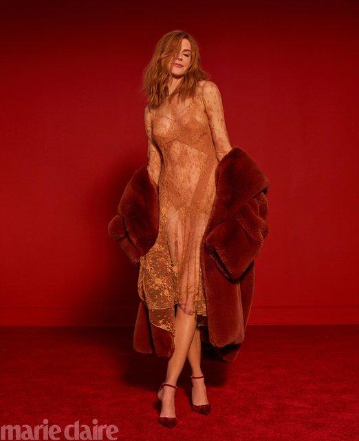 Николь Кидман в прозрачном платье восхитила новой фотосессией - фото 148010