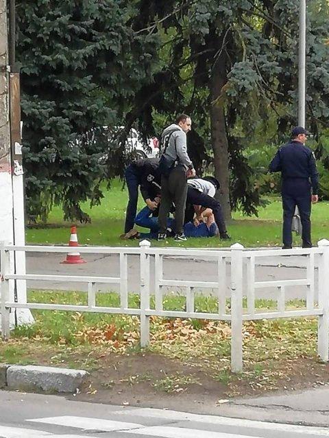 'Мелкое хулиганство': в Херсоне на детской площадке задержали СБУшника-онаниста (ФОТО) - фото 148292