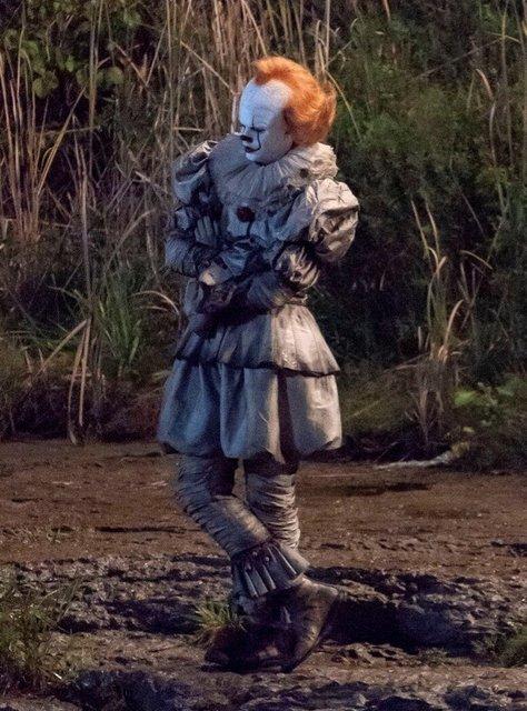 Оно 2: клоун Пеннивайз на новых кадрах со съемки - фото 148379