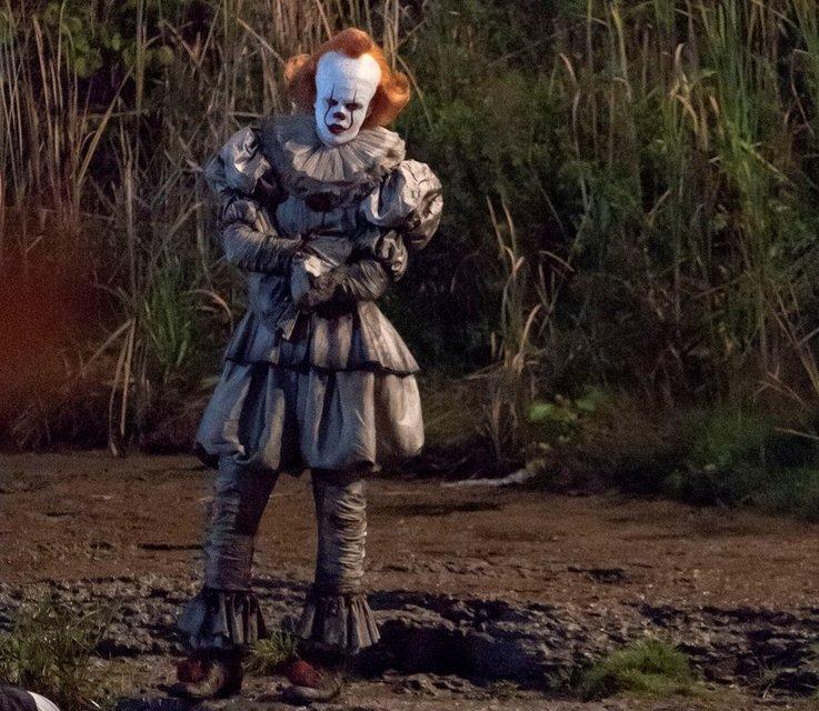 Оно 2: клоун Пеннивайз на новых кадрах со съемки - фото 148383