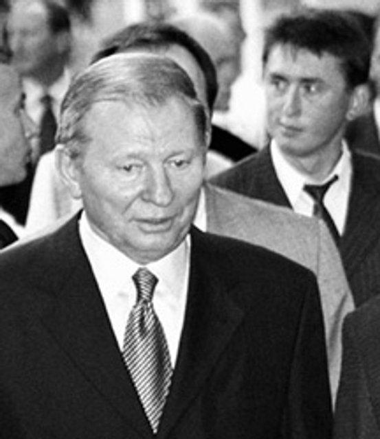 Девять жизней майора Мельниченко: Зачем нам напомнили о забытом герое - фото 148514