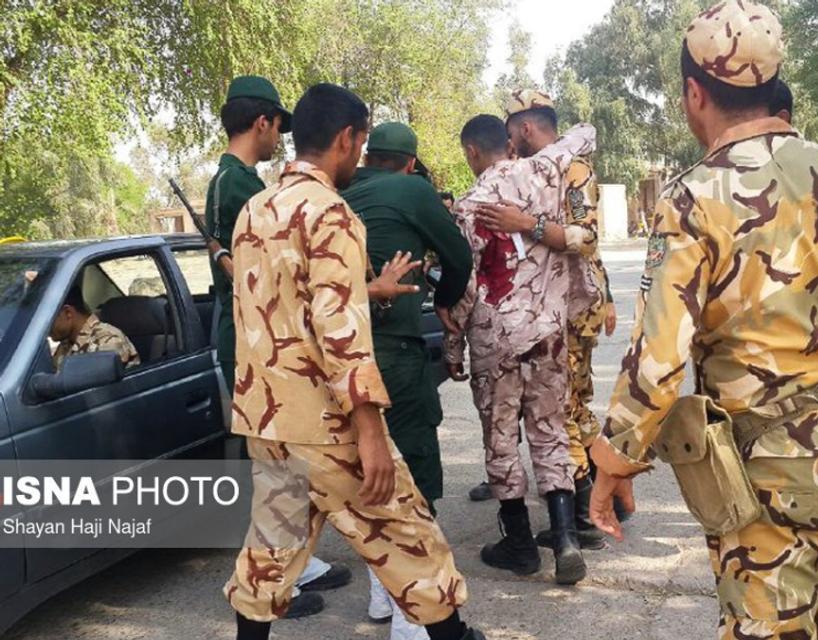 В Иране расстреляли участников военного парада (ФОТО, ВИДЕО) - фото 149216