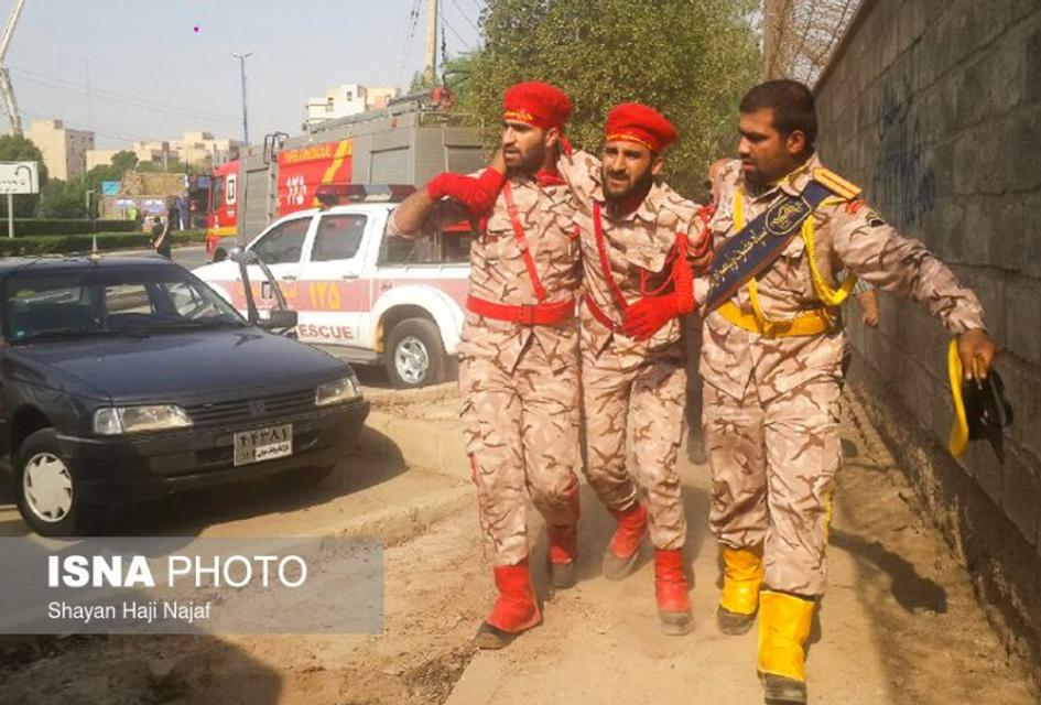 В Иране расстреляли участников военного парада (ФОТО, ВИДЕО) - фото 149220