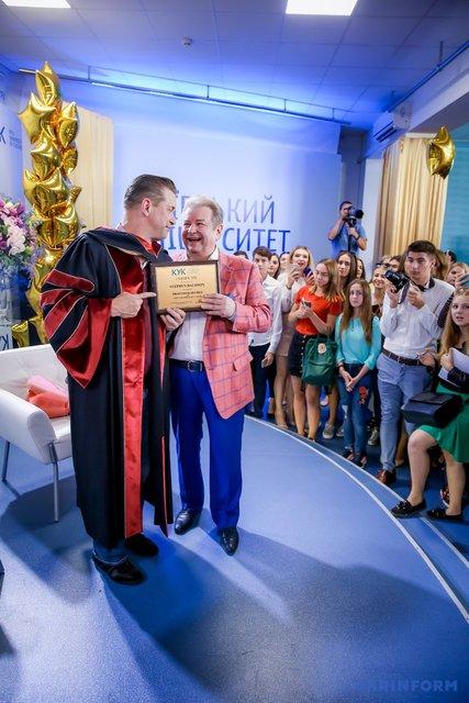 Стивен Болдуин приступил к работе в украинском университете - фото 149226