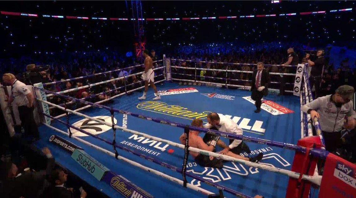 Главный русский боксер позорно разгромлен чемпионом мира ВИДЕО - фото 149275