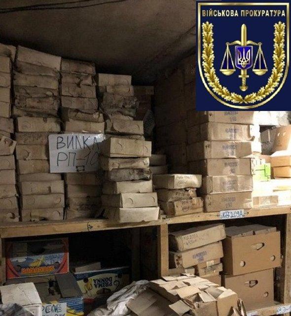 С военных складов Украины 20 лет воровали детали для техники и отправляли их в Россию - фото 149345
